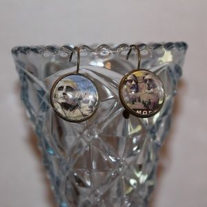 Earrings made by IslaRaqSo Mount Rushmore Stamps